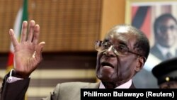 VaRobert Mugabe
