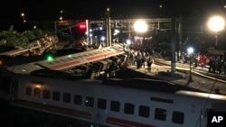 台湾火车事故现场