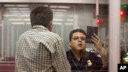 El estudio indica que liberar de visas a algunas naciones como Brasil, mejoraría la economía del país, y crearía empleos.