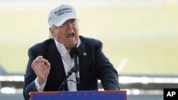هر چند دونالد ترامپ پیشتاز رقابتهای مقدماتی جمهوریخواهان است، اما برخی در بدنه حزب مخالف نامزدی او در انتخابات نوامبر هستند.