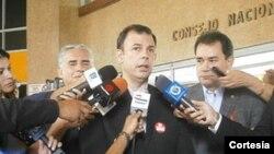 Roberto Enríquez, presidente de Copei, espera que la solicitud sea anulada por el CNE.