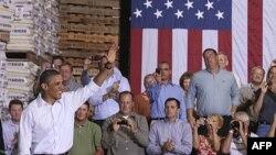 TT Barack Obama đến cuộc họp cử tri tại Wyffels Hybrids Inc., ở Atkinson, bang Illinois, ngày 17 tháng 8, 2011