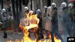 برخورد پلیس یونان با تظاهر کنندگان در آتن