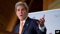 美国国务卿克里在挪威发表讲话。(2016年6月15日)