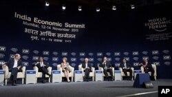 គណៈប្រតិភូចូលរួមវគ្គបញ្ចប់នៃកិច្ចប្រជុំកំពូលអំពីសេដ្ឋកិច្ចឥណ្ឌាដែលជាផ្នែកមួយនៃវេទិកាសេកិច្ចពិភពលោក(WEF India Economic Summit) នៅទីក្រុងម៉ុមបៃកាលពីថ្ងៃទី១៤ខែវិច្ឆិកា