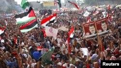 Pristalice Muslimanske braće slave Morsijevu pobjedu
