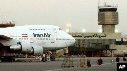 Iranski Boing 747 na Međunardonom aerodromu u Teheranu, pre više od 10 godina