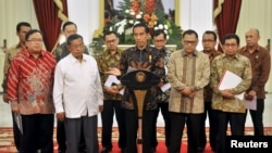 Presiden Joko Widodo mengumumkan Paket Kebijakan Ekonomi di Istana Merdeka Jakarta, 9 September 2015.
