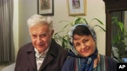 هاله سهحابی و عزهتوڵـڵای باوکی، (ئهرشیفی وێنه)