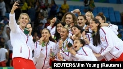 Košarkašice Srbije slave bronzanu medalju na Olipijskim igrama u Rio de Žaneiru, arhivska fotografija (REUTERS/Jim Young)