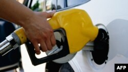 Cena benzina u SAD u decembru skočila za 8,5 odsto