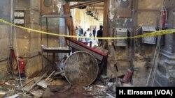 Последствия взрыва у храмового комплекса Коптской православной церкви в Каире. Египет. 11 декабря 2016 г.