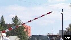 Kosovë, policia në aksion për kontrollin e pikëkalimeve me Serbinë