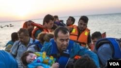 Migran yang tiba di pulau Yunani (Foto: dok.)