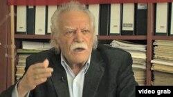 مانولیس گلزوس، سیاسی کار چپ گرای نود سالۀ یونانی