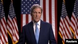 Ish-Sekretari i Shtetit i drejtohet Konventës Kombëtare Demokrate nëpërmjet lidhjes videofonike
