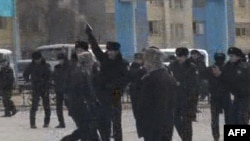 Жанаозен. Площадь Ынтымак. 16 декабря 2011 г.