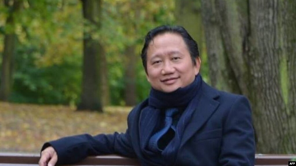 Vietnamese national Trinh Xuan Thanh sitting on a park bench in Berlin. Germany accused Hanoi, Aug. 2, 2017, of kidnapping Trinh Xuan Thanh, who was seeking asylum in Germany. Berlin furiously summoned Vietnam's ambassador and expelled one of the south-ea