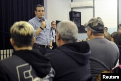 U.S. Republican presidential candidate Ted Cruz speaks at the Goldfield Old Schoolhouse in Goldfield, Iowa, Jan. 7, 2016.