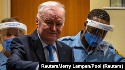 Ratko Mladić u sudnici Haškog tribunala, 8. juna 2021. (Foto: Reuters/Jerry Lampen/Pool)
