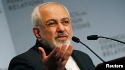 Министр иностранных дел Ирана Мохаммад Джавад Зариф обращается к Совету по Международным отношениям в Нью-Йорке перед Генеральной Ассамблеей ООН.17 сентября 2014.