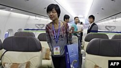 Kina paraqet avionin e parë për pasagjerë të ndërtuar në vend