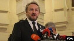 Bakir Izetbegović: Težak udarac