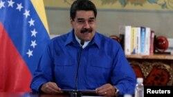Maduro, que espera que las negociaciones se restablezcan la próxima semana —luego de las elecciones— no quiso revelar más detalles del documento que se dice se negocia con la oposición.
