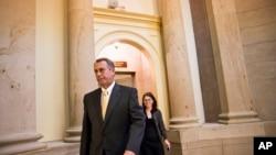 US House Speaker John Boehner walks to the House chamber on Capitol Hill, Oct. 3, 2013.