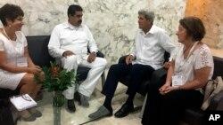 El secretario de Estado John Kerry y el presidente de Venezuela Nicolás Maduro, se reunieron luego de la ceremonia de firma del acuerdo de paz colombiano en Cartagena.