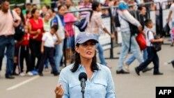 8일 콜롬비아를 방문한 니키 헤일리 유엔주재 미국대사가 베네수엘라 접경 쿠쿠타에서 최근 베네수엘라 사태에 대한 미국 정부의 입장을 밝혔다.