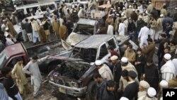 Blast Kills 16 in Pakistan
