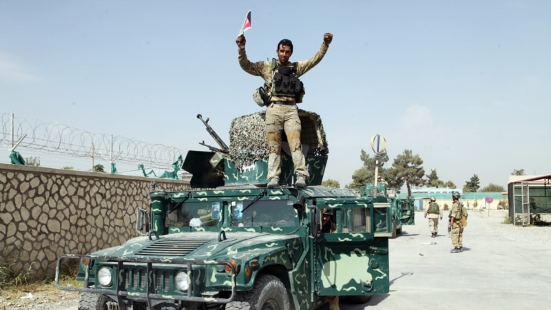 اروزګان کې افغان ځواکونو له طالبانو څخه یو شمیر سیمې نیولي