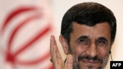 Ông Ahmadinejad nói rằng các biện pháp trừng phạt không ảnh hưởng đến nhân dân Iran