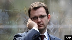 Kameron, thirrje për hetim të hapur rreth skandalit të përgjimeve
