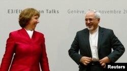 이란 핵 문제 해결을 위한 강대국들과의 협상이 7일 스위스 제네바에서 재개된 가운데, 양측 대표인 무함마드 자바드 자리프 이란 외무장관(오른쪽)과 캐서린 애슈턴 유럽연합 외교안보고위대표가 협상에 앞서 공동 기자회견을 가졌다.