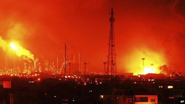 Balls of fire rise over Amuay refinery near Punto Fijo, Venezuela, August 25, 2012.