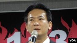 民进党发言人林俊宪(美国之音申华拍摄)