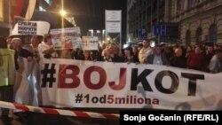 """Protest """"1 od 5 miliona"""" u Beogradu, 47 put, 26. oktobra 2019. (Foto: Sonja Gočanin, Radio Slobodna Evropa)"""