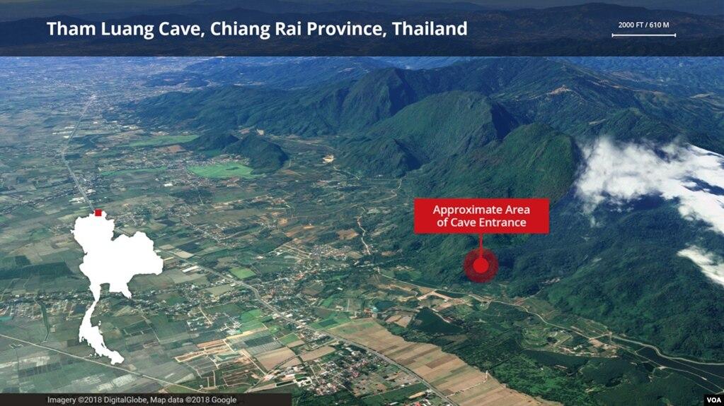 Hang Tham Luang, tỉnh Chiang Rai, Thái Lan. Địa điểm nơi 12 thành viên đội bóng đá và huấn luyện viên bị kẹt bên trong một hang động.