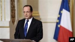 法国总统奥朗德12日就马里局势讲话 (资料照片)