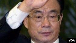 2007年新的政治局常委賀國強會見記者