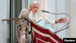 Pope Benedict Steps Down