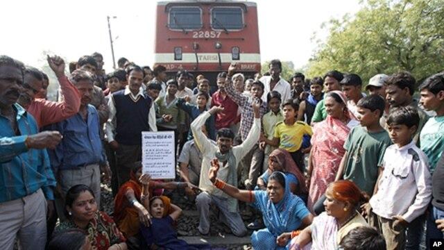 Nạn nhân thảm họa Bhopal xuống đường biểu tình.
