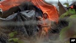 مهاجران روهنگیایی، جایی در وسط میانمار و بنگلدیش