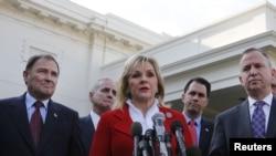 La gobernadora de Oklahoma, Mary Fallin, dijo que los Estados podrían salir muy afectados con la reducción de los presupuestos sino consiguen un acuerdo en el Congreso.