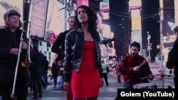 Гурт Golem виступає на Таймс-сквер