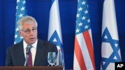 چاک هیگل وزیر دفاع آمریکا در نشست مطبوعاتی مشترک با نخست وزیر اسرائیل - ۲۵ اردیبهشت ۹۳