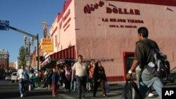 El encuentro se lleva a cabo en la ciudad fronteriza de El Paso, Texas.