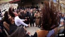 پیروان کردی اهل تصوف حین رقص سماع در بغداد، پایتخت عراق